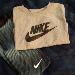 🎉Nike womans size small crop t-shirt. 🎉